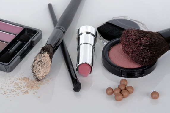 cosmetics-1367781_1920