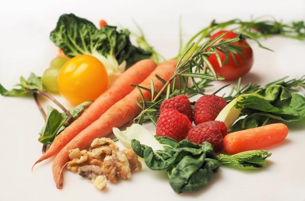 carrot-1085063_1920.jpg