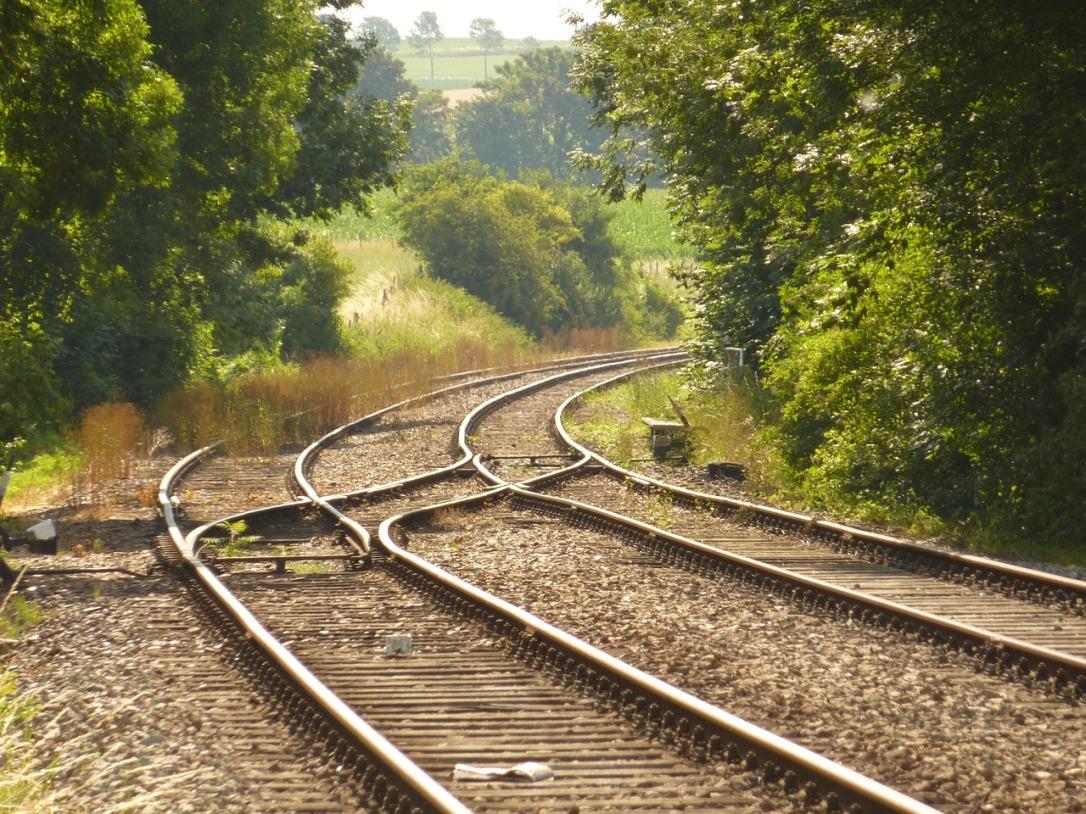 railway-line-1053687_1280