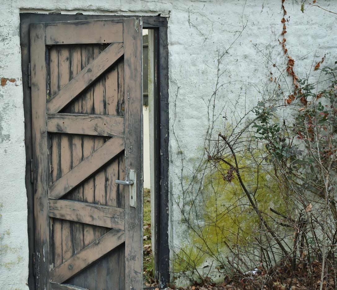 door-1895816_1280